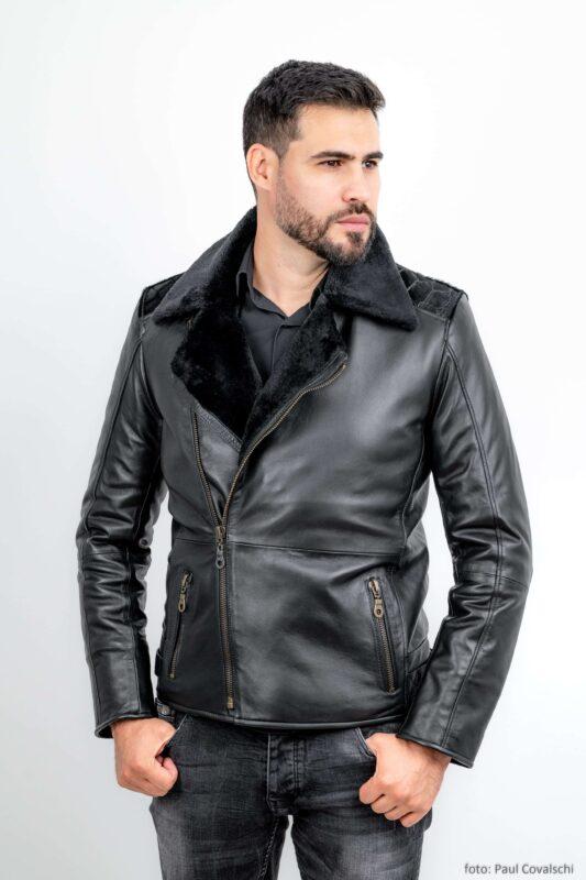 Jacheta din piele naturala de ovine, captusita la interior cu blana